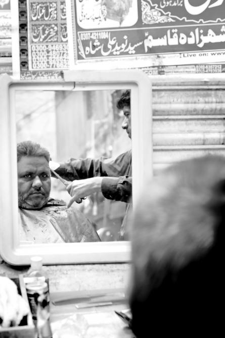 u holiče v Láhauru